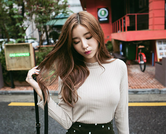 Ribbed Mock Neck Top by Chuu