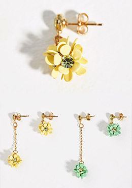 Asymmetrical Length Flower Earrings