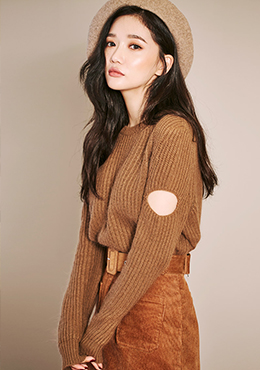 Long Sleeve Sweater with Arm Cut