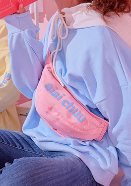 aiaichuu. Pink Berry Waist Bag