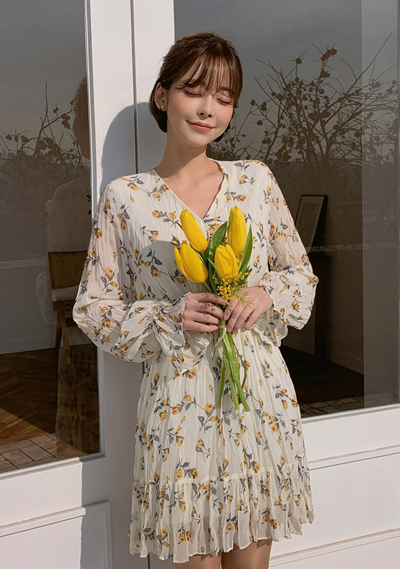 Spring Comes Floral Dress by Chuu