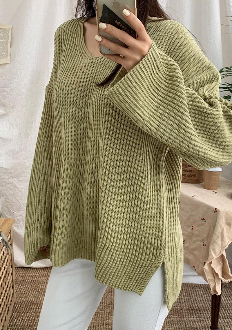 spring-chuu-v-neck-knit by chuu