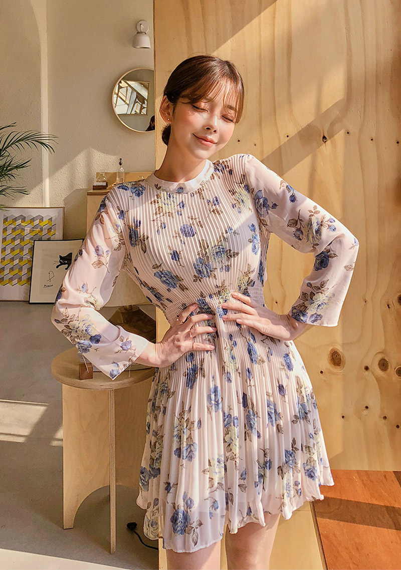 flower-mini-pleats-dress by chuu