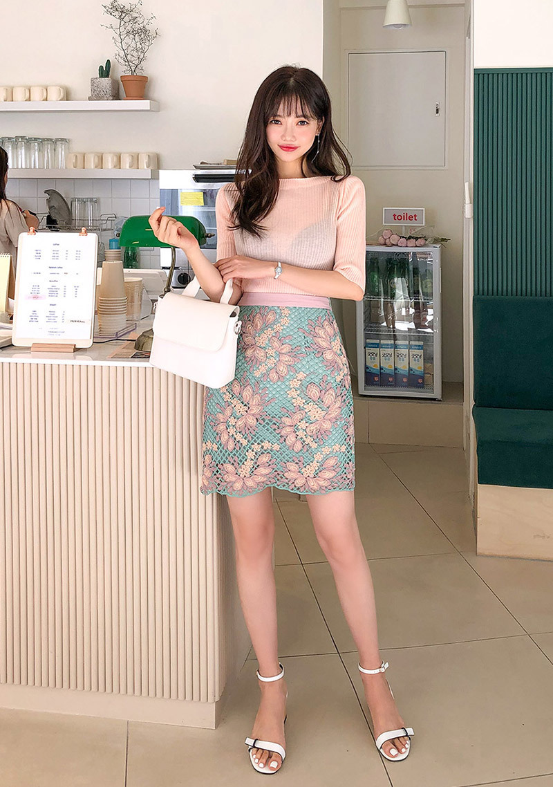 vintage-flower-embroidery-skirt by chuu