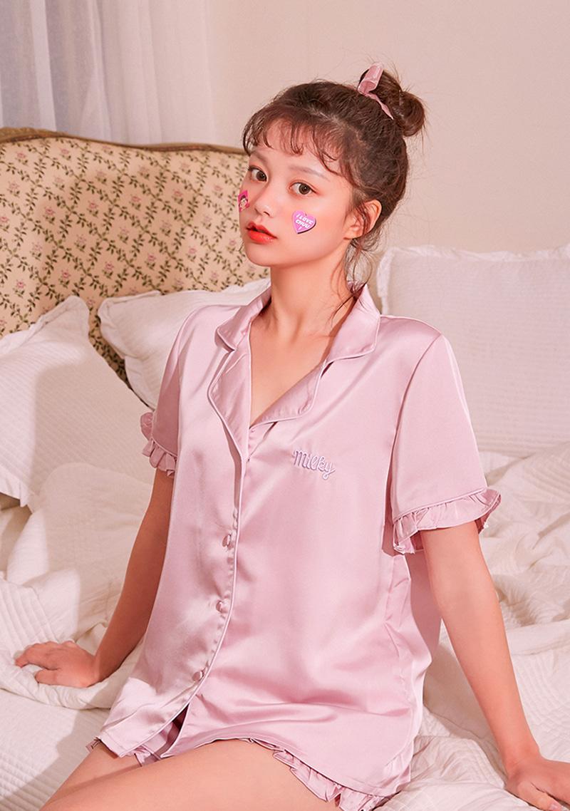 peko-gogo88-dreamer-pajama-set by chuu