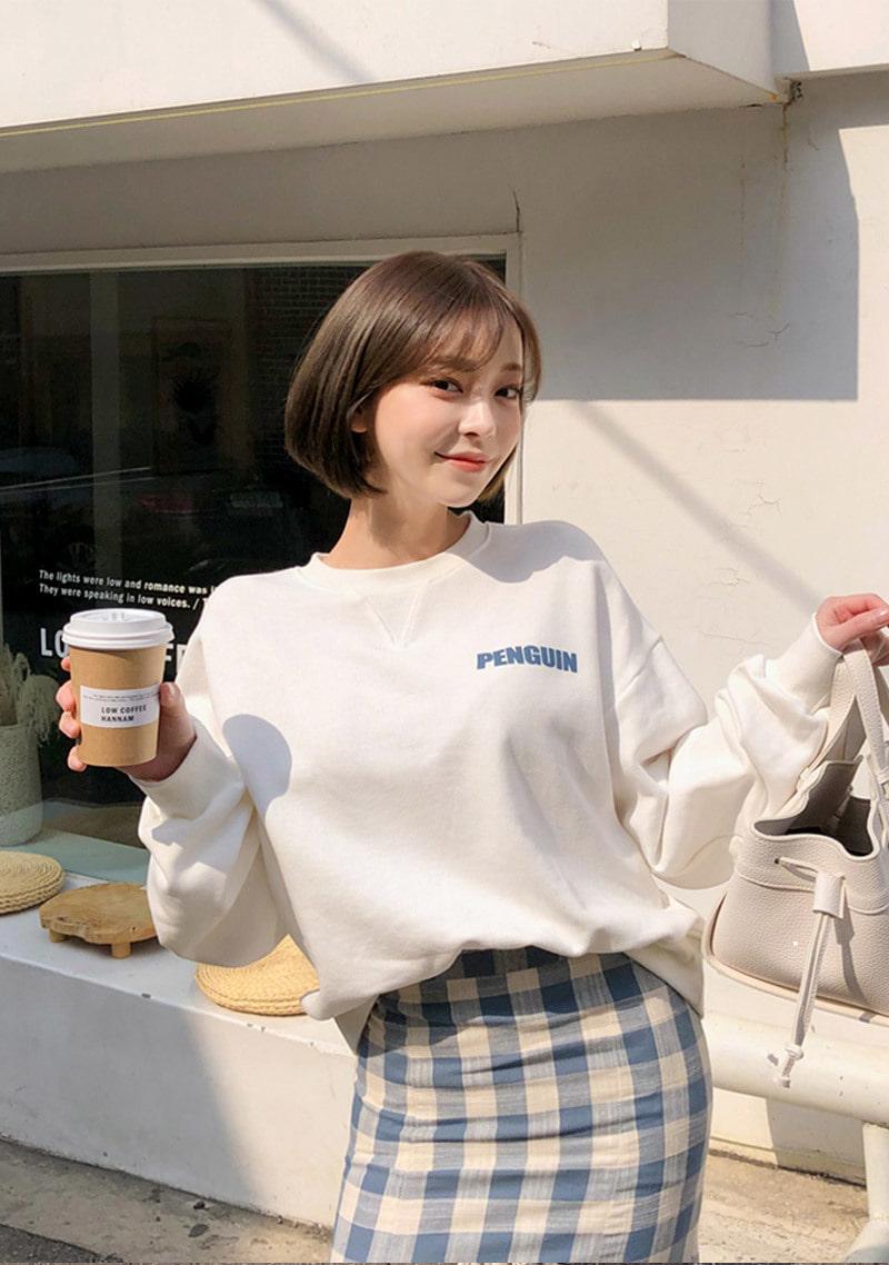 snug-penguin-sweatshirt by chuu