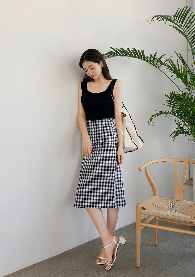 ever-lasting-summer-sleeveless-knit by chuu