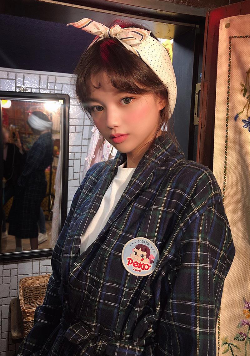 peko-gogo88-check-this-out-robe by chuu