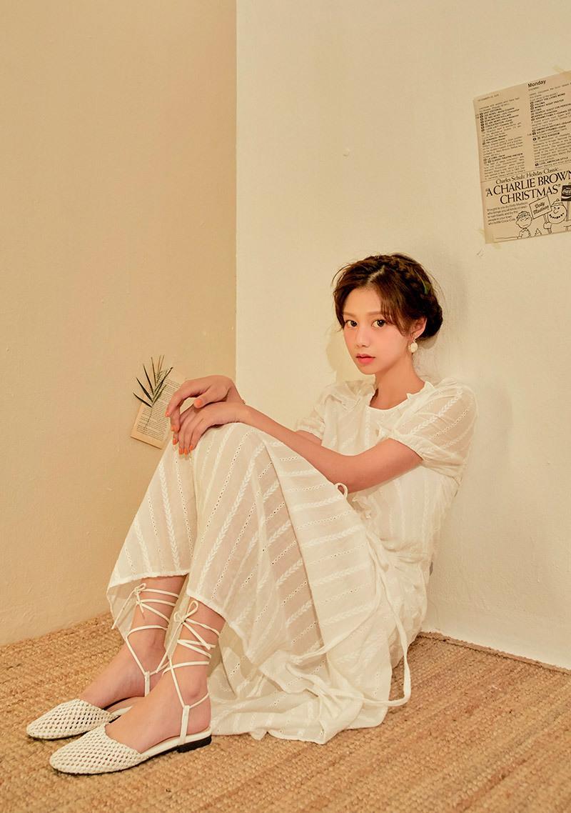 Elegant Shirring Lace Dress by Chuu