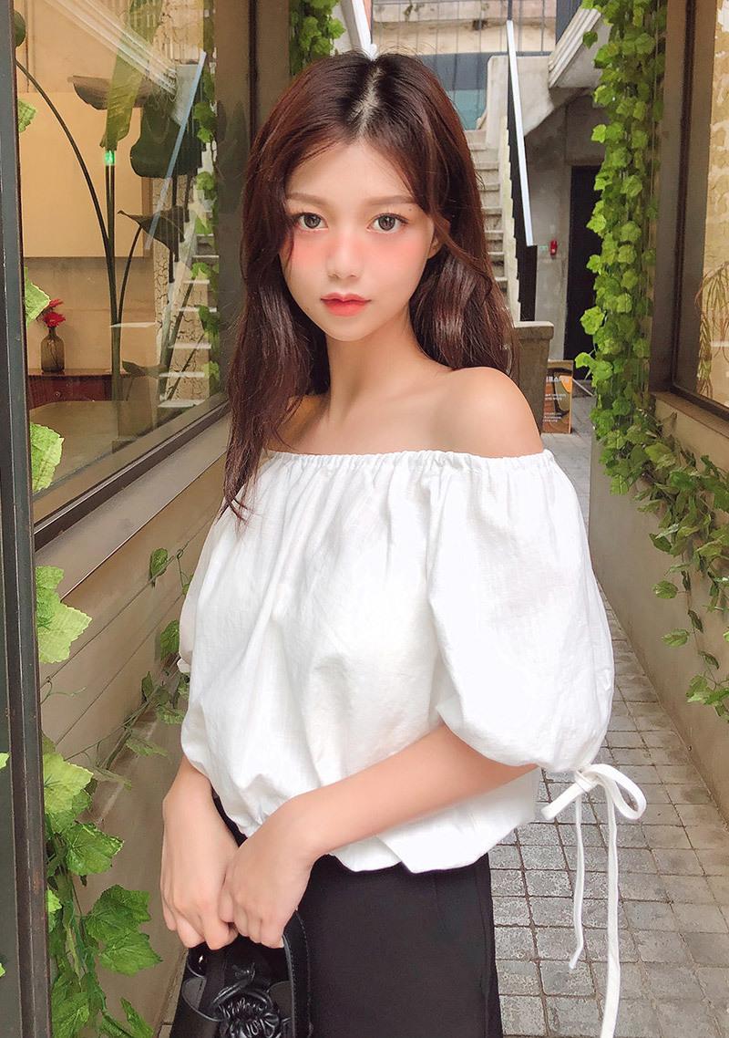 off-shoulder-volume-linen-blouse by chuu