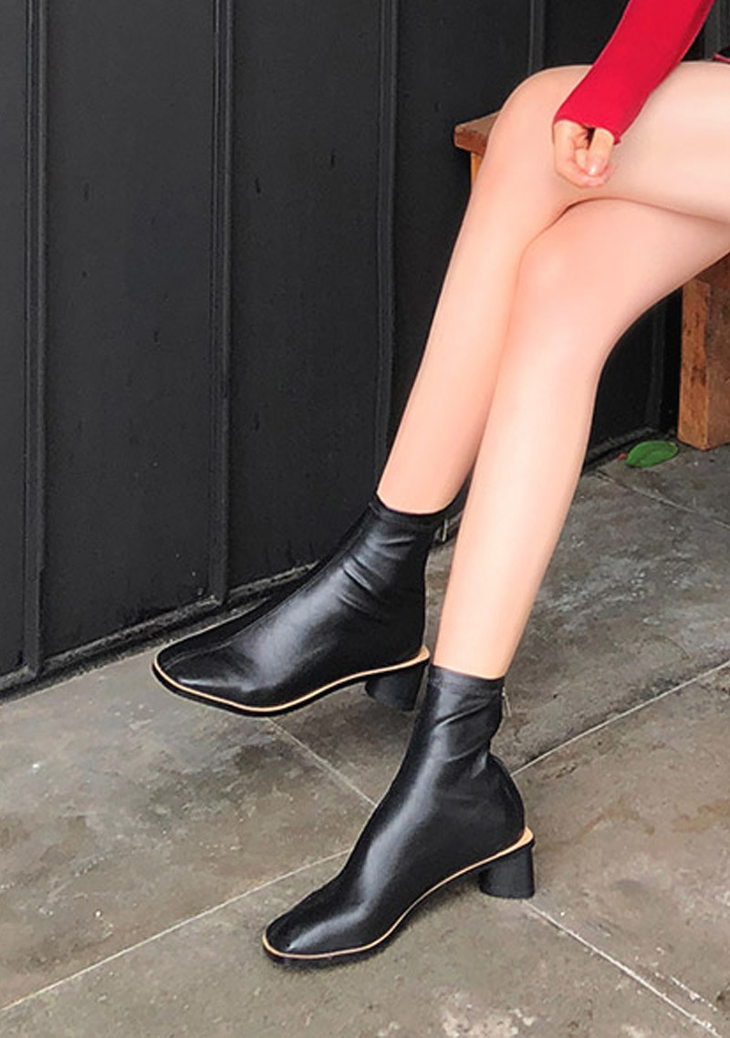 unique-triangular-ankle-boots by chuu