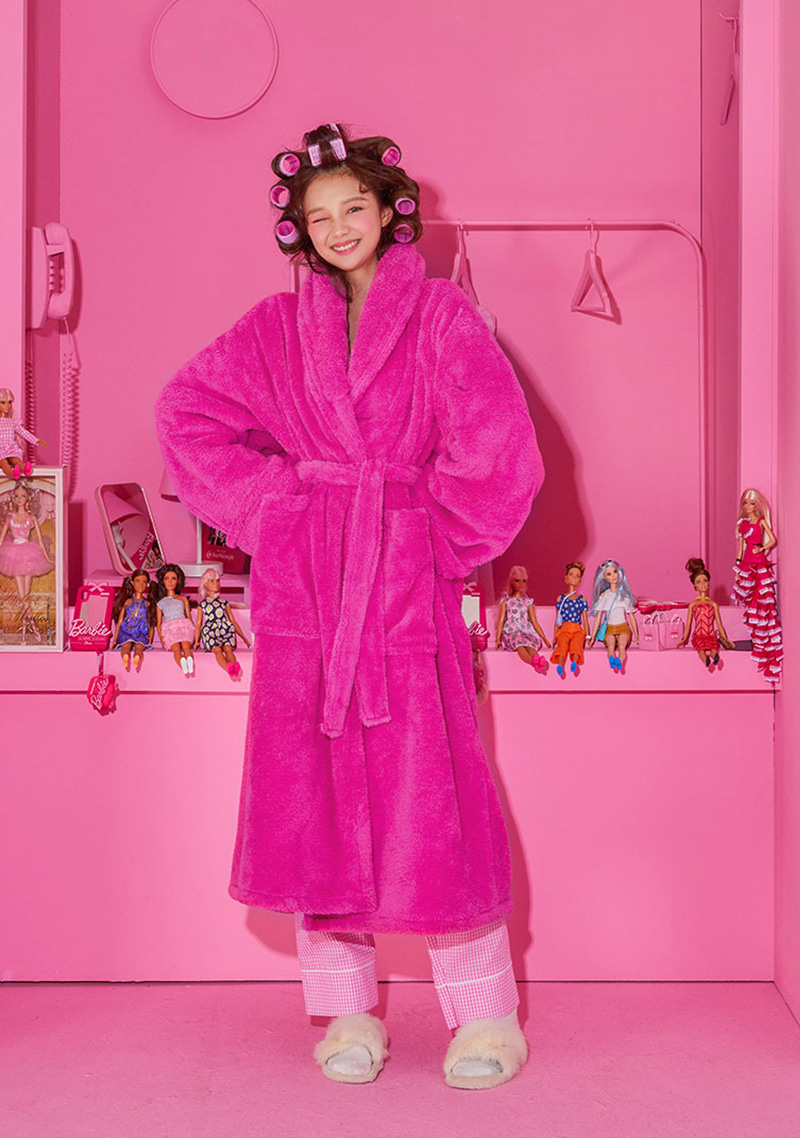 Barbie Room. Plush Robe by Chuu