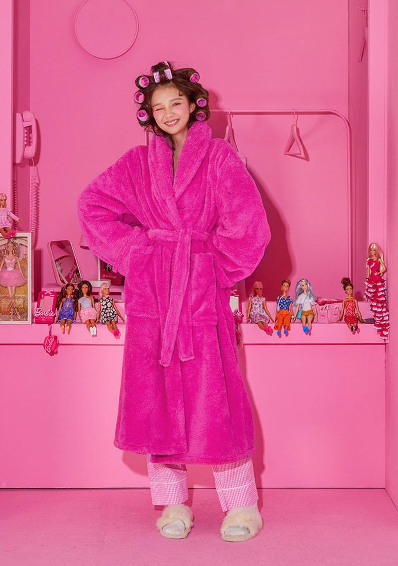 Barbie Room. Plush Robe by Chuu